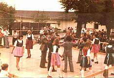 Tanz bei der Gründungsfeier